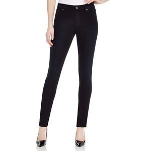 7 For All Mankind Gwenevere skinny jeans- NWOT!